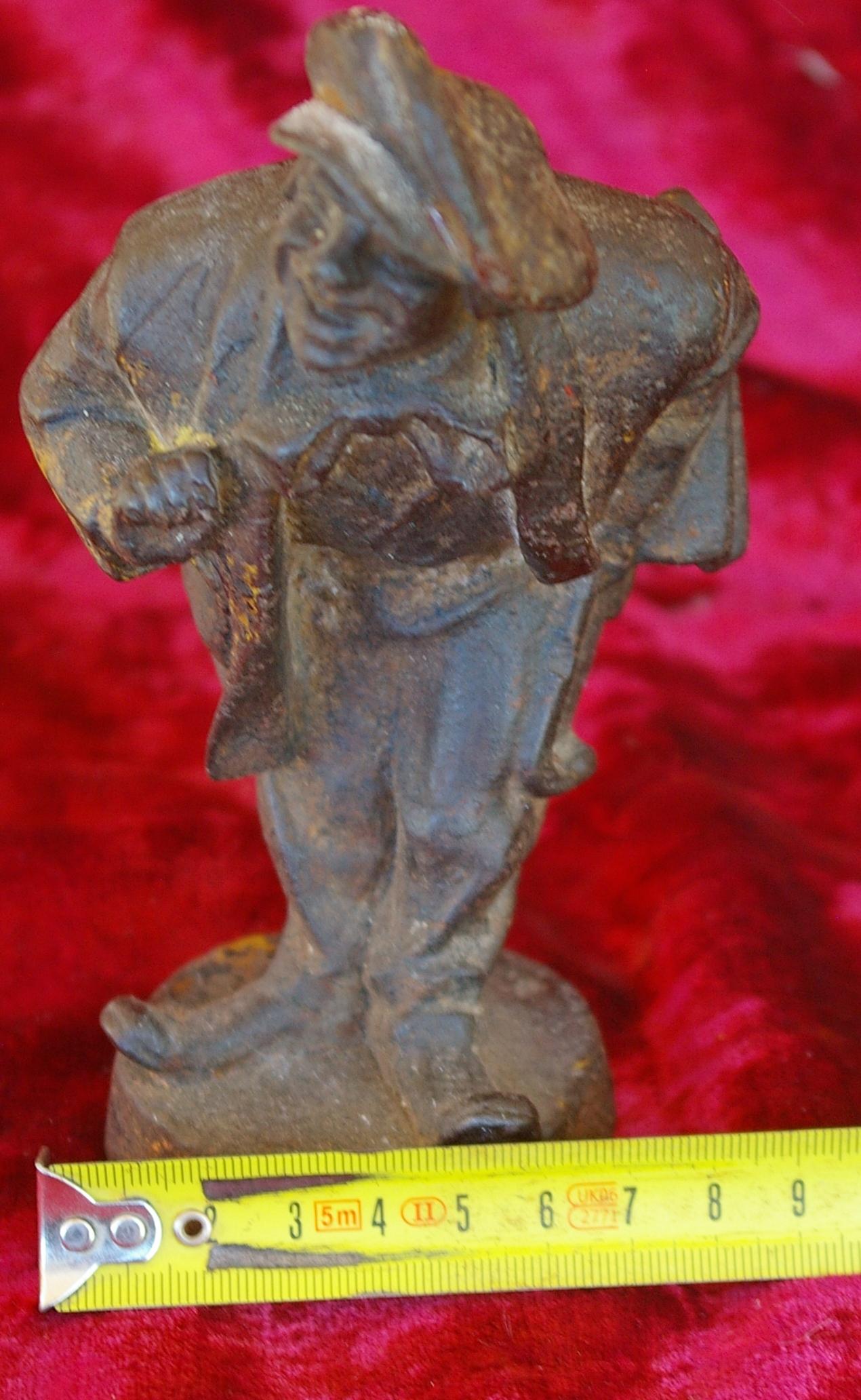 Скульптура Мужичёк, материал чугун, высота 17 см., ширина 6 см., длина 5 см. Касли - 7