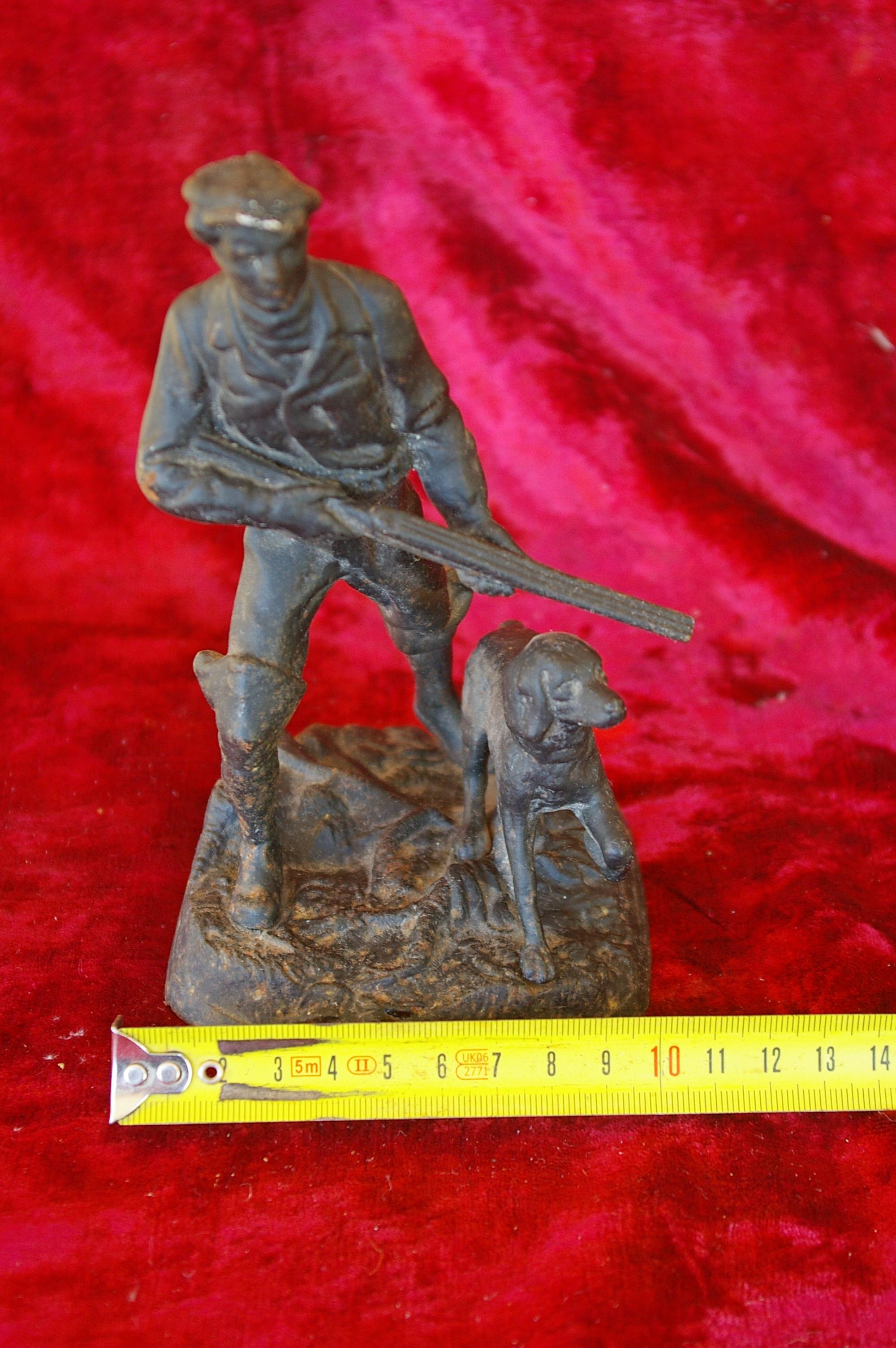 Скульптура Охотник, материал чугун, высота 17 см., ширина 9 см., длина 9 см. - 7