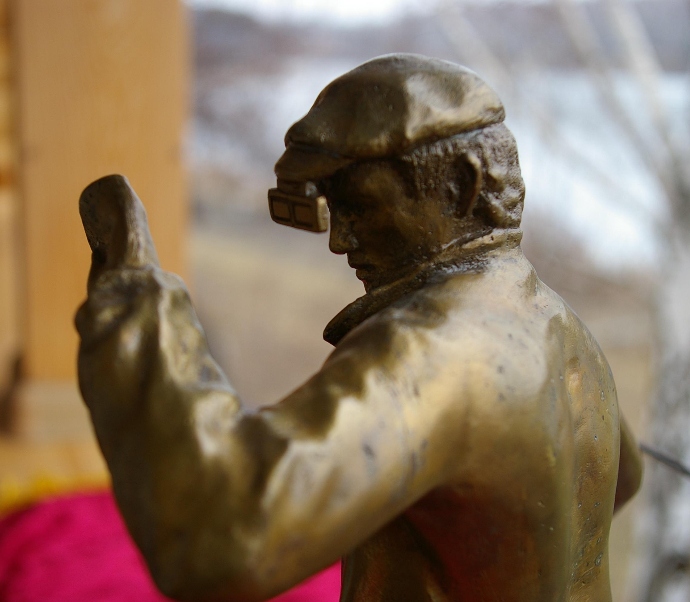 Скульптура Сталевар, материал бронза, высота 39 см., ширина 21 см., длина 9 см., 3 кг.,  - 6