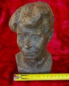 Скульптура Есенин, материал метал, высота 21 см., ширина 10 см., длина 6 см. - 7