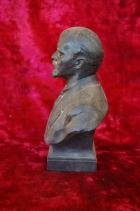 Ленин бюст, материал метал, высота 24 см., ширина 7 см., длина 7 см.  - 1