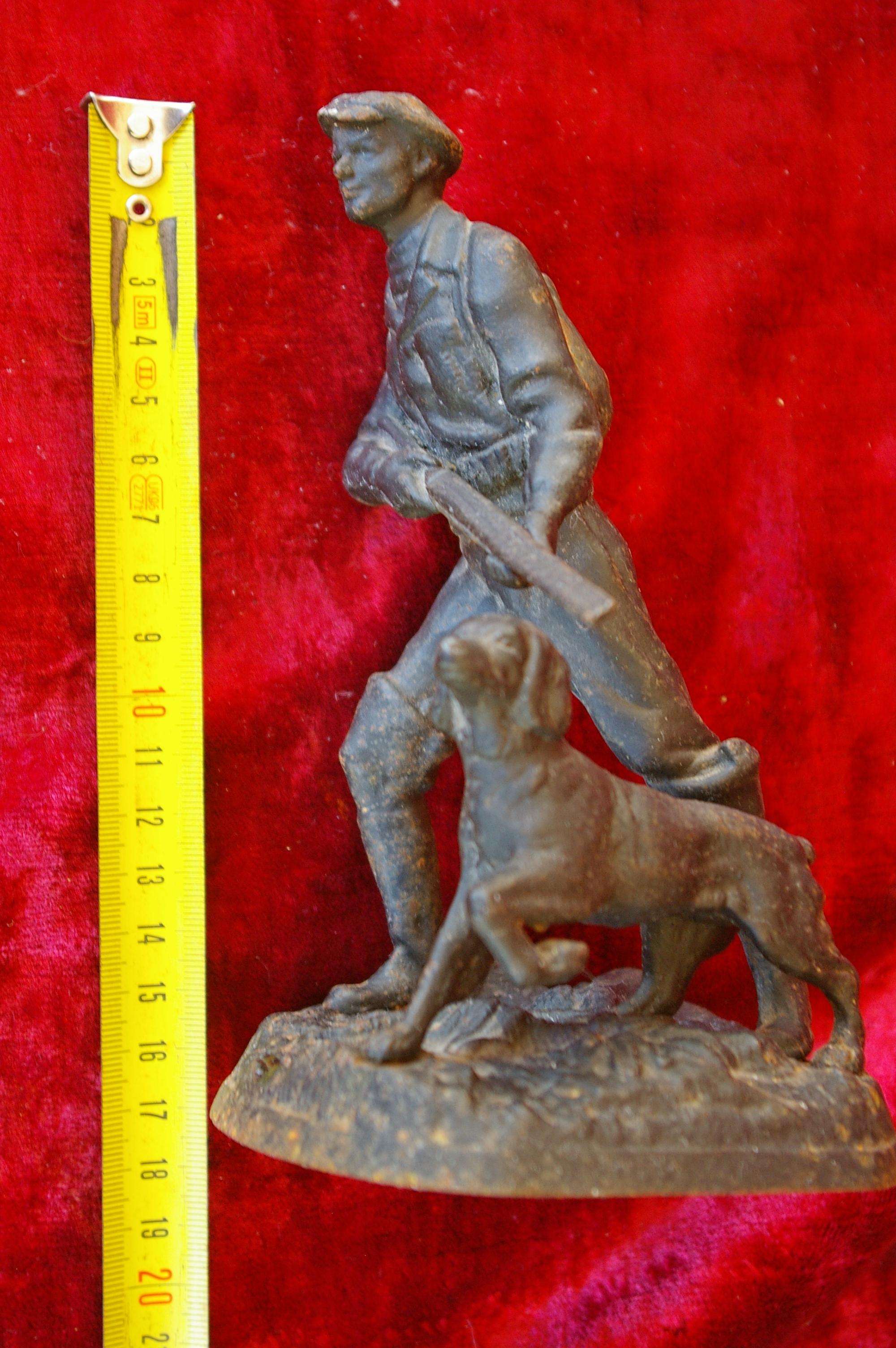 Скульптура Охотник, материал чугун, высота 17 см., ширина 9 см., длина 9 см. - 6