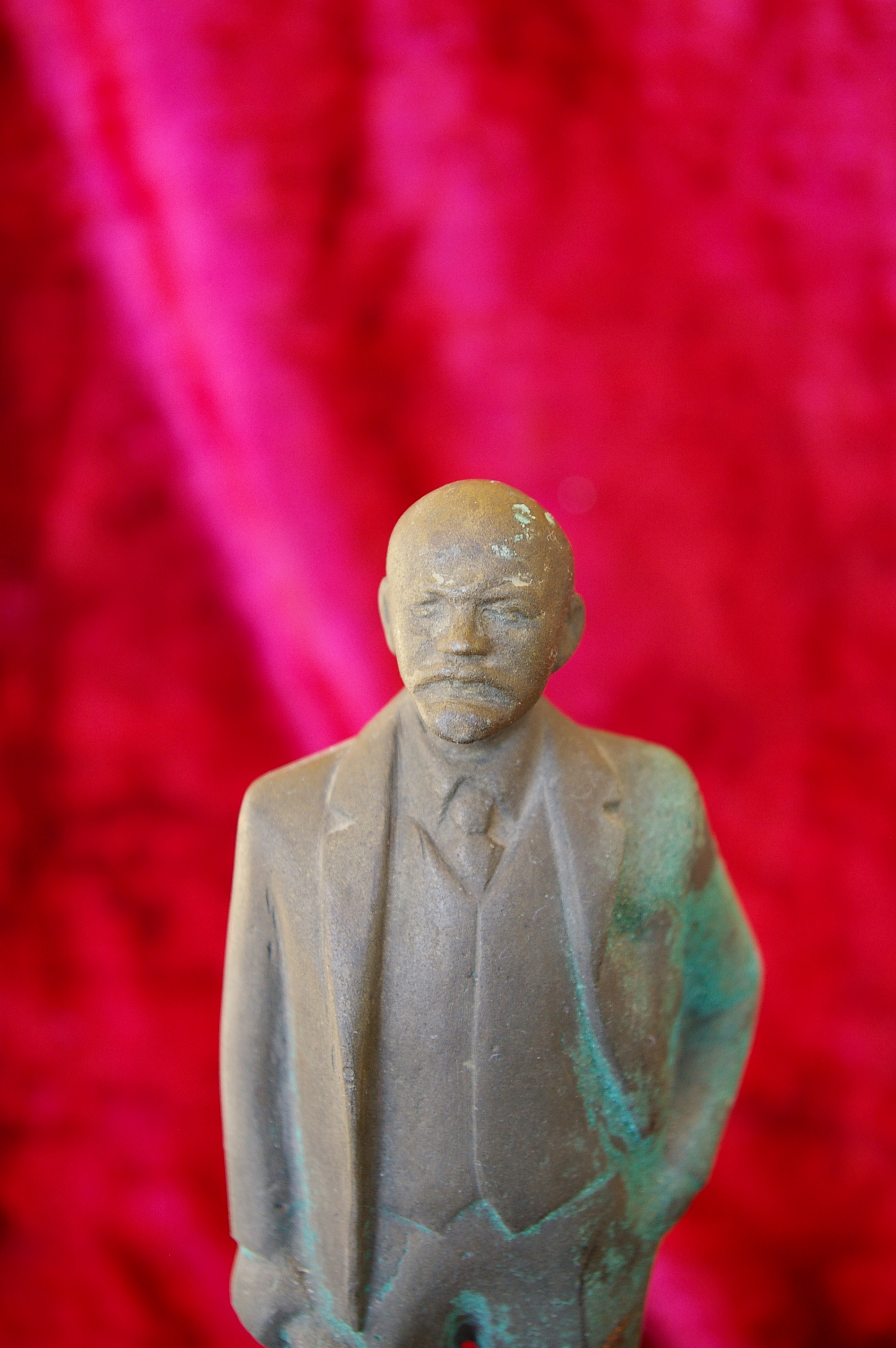 Скульптура Ленин на постаменте, материал бронза, высота 35 см., ширина 20 см., длина 20 см. - 5
